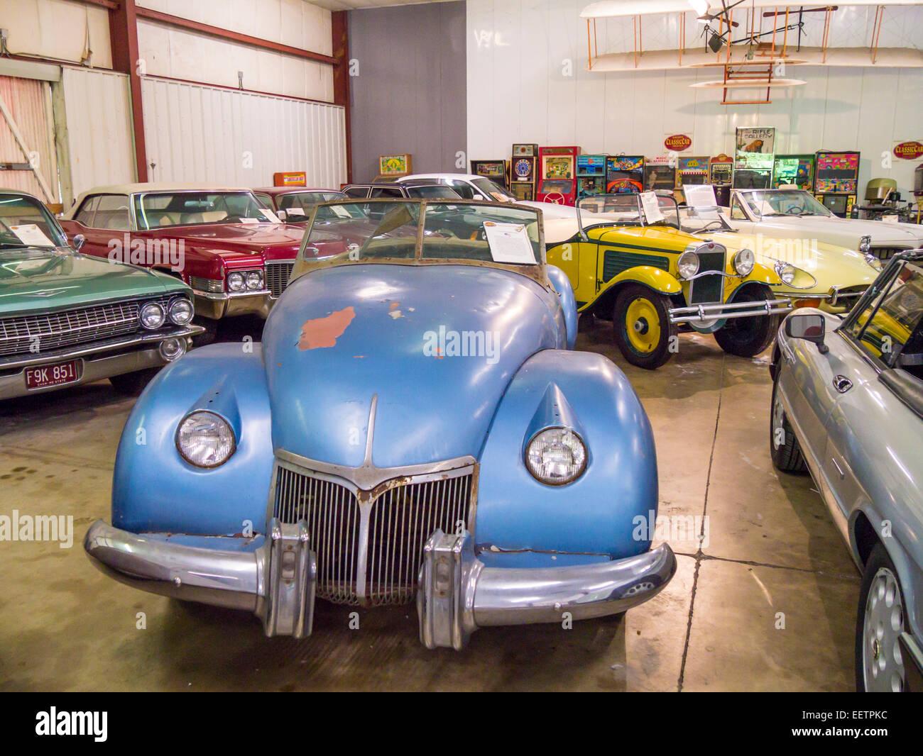 1947 Kurtis-Omohundro Comet car on display inside the ...