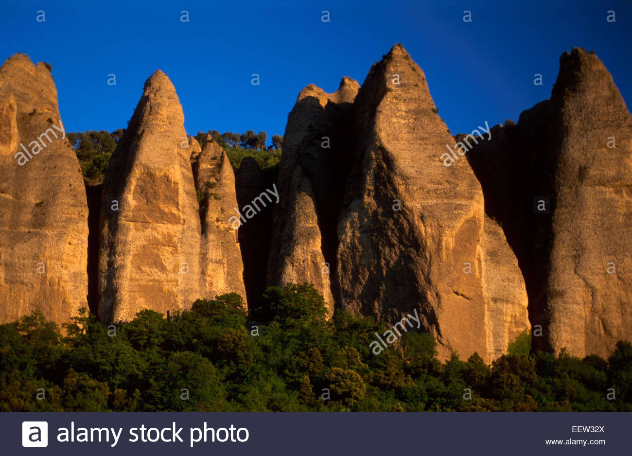 The Penitents des Mees, between Forcalquier, Sisteron and Digne, Alpes-de-Haute-Provence, France. Legend of France - Stock Image