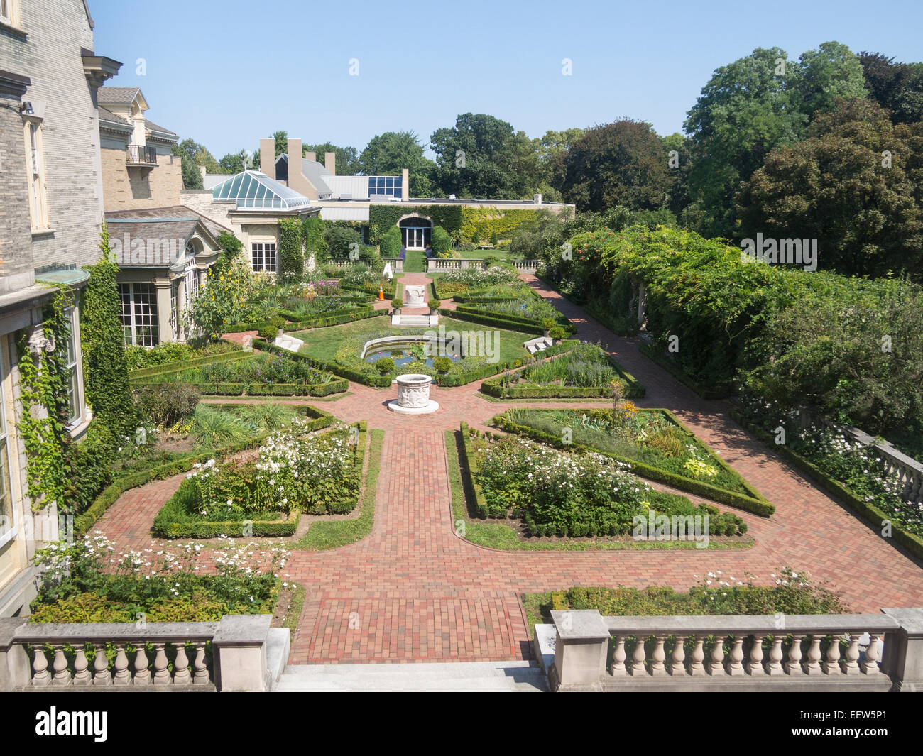 The West Garden overview. The formal and geometric layout of Eastman House's west garden. - Stock Image