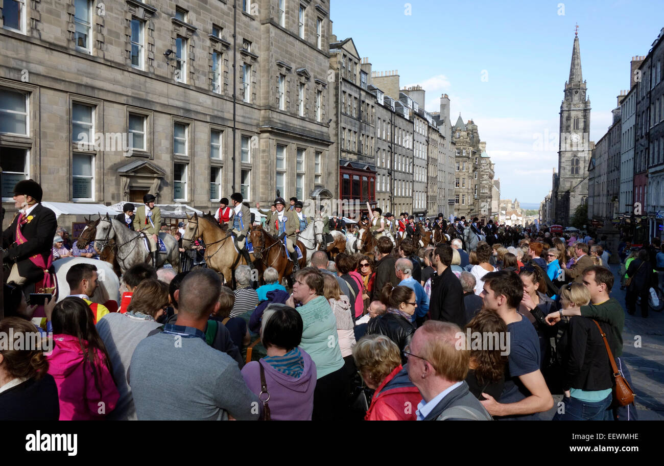 Crowds watch the 2014 Edinburgh Riding of the Marches - Stock Image