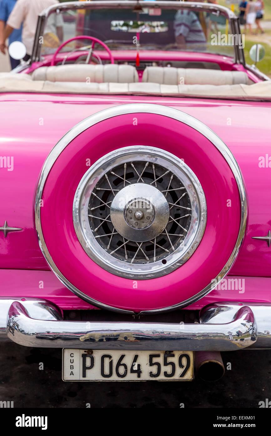Pink convertible taxi, old American road cruiser, Havana, Cuba - Stock Image