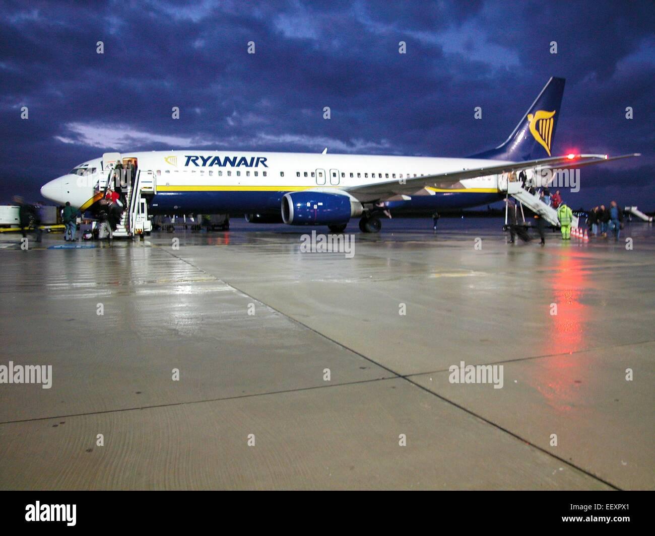 Ryan air Ryanair cut price airline aircraft on tarmac at Frankfurt  Hahn - Stock Image