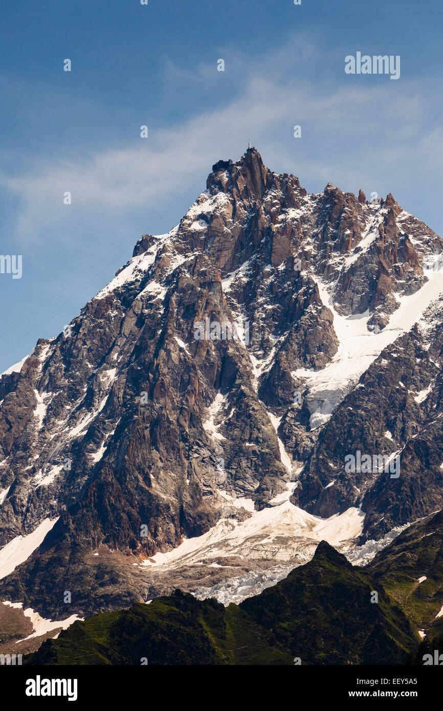 Aiguille du Midi summit with cable car station above Chamonix, Rhone-Alpes, Haute-Savoie, France, Europe - Stock Image