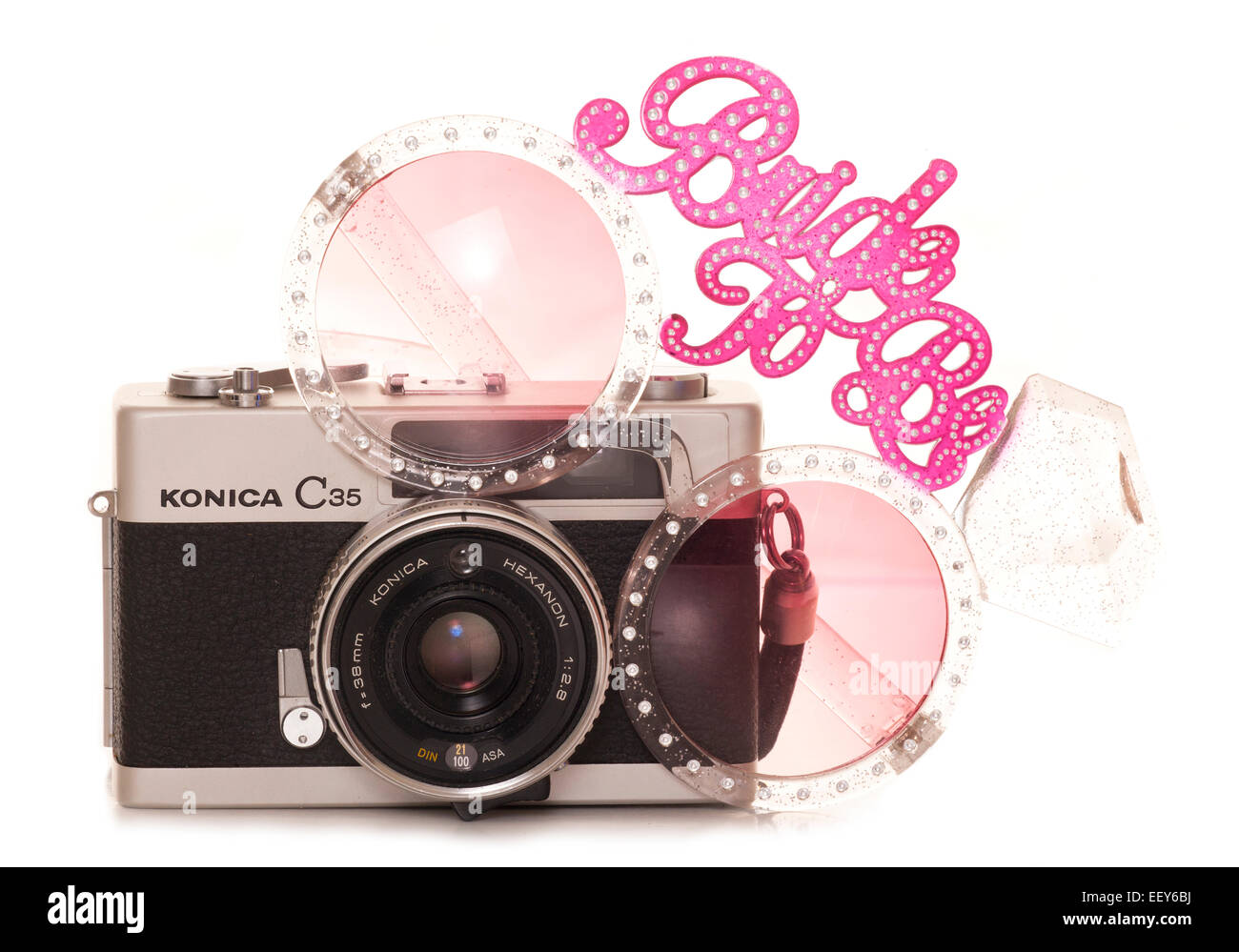 vintage slr film camera with bride to be sunglasses cutout - Stock Image