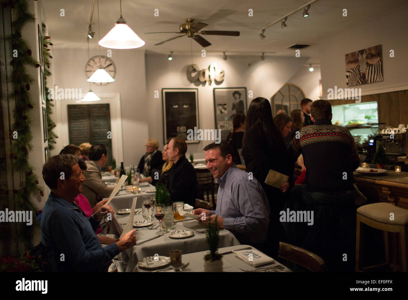 Customers dining at Baldanza Market and Cafe in New Canaan, Connecticut. - Stock Image