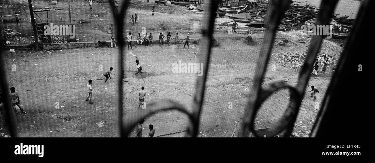 Cricket game. Dhaka, Bangladesh. - Stock Image