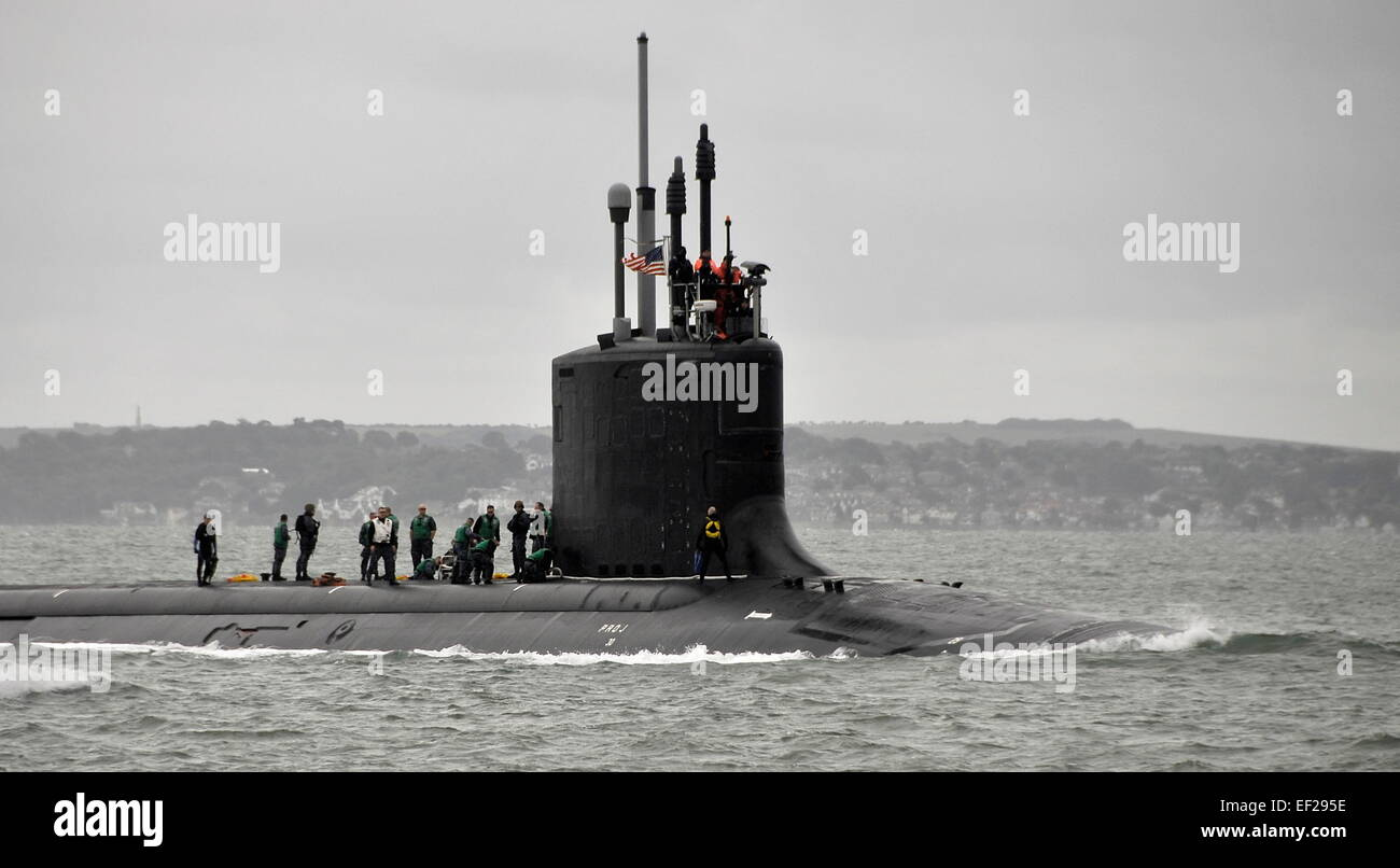 AJAXNETPHOTO. 17TH SEPT, 2013. PORTSMOUTH, ENGLAND. - U.S. NUCLEAR SUB ENTERS NAVAL BASE -   US NAVY SUBMARINE USS - Stock Image