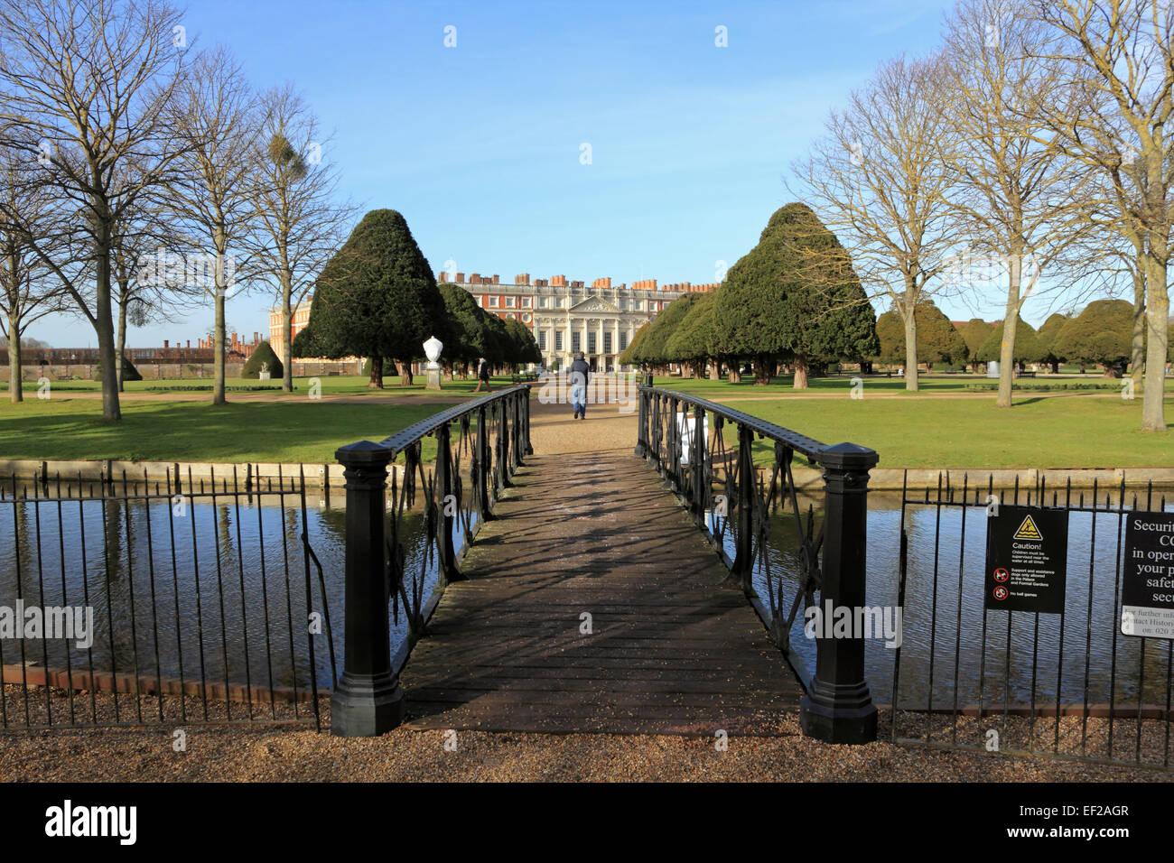 Hampton Court Palace. - Stock Image