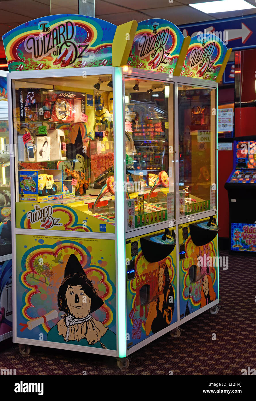 Wizard of Oz machine in seaside Amusement Arcade at Herne Bay, Kent. - Stock Image