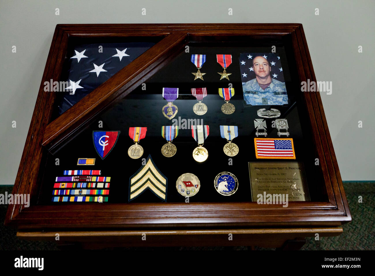 Deceased US Army National Guard veteran's award shadow box - USA - Stock Image