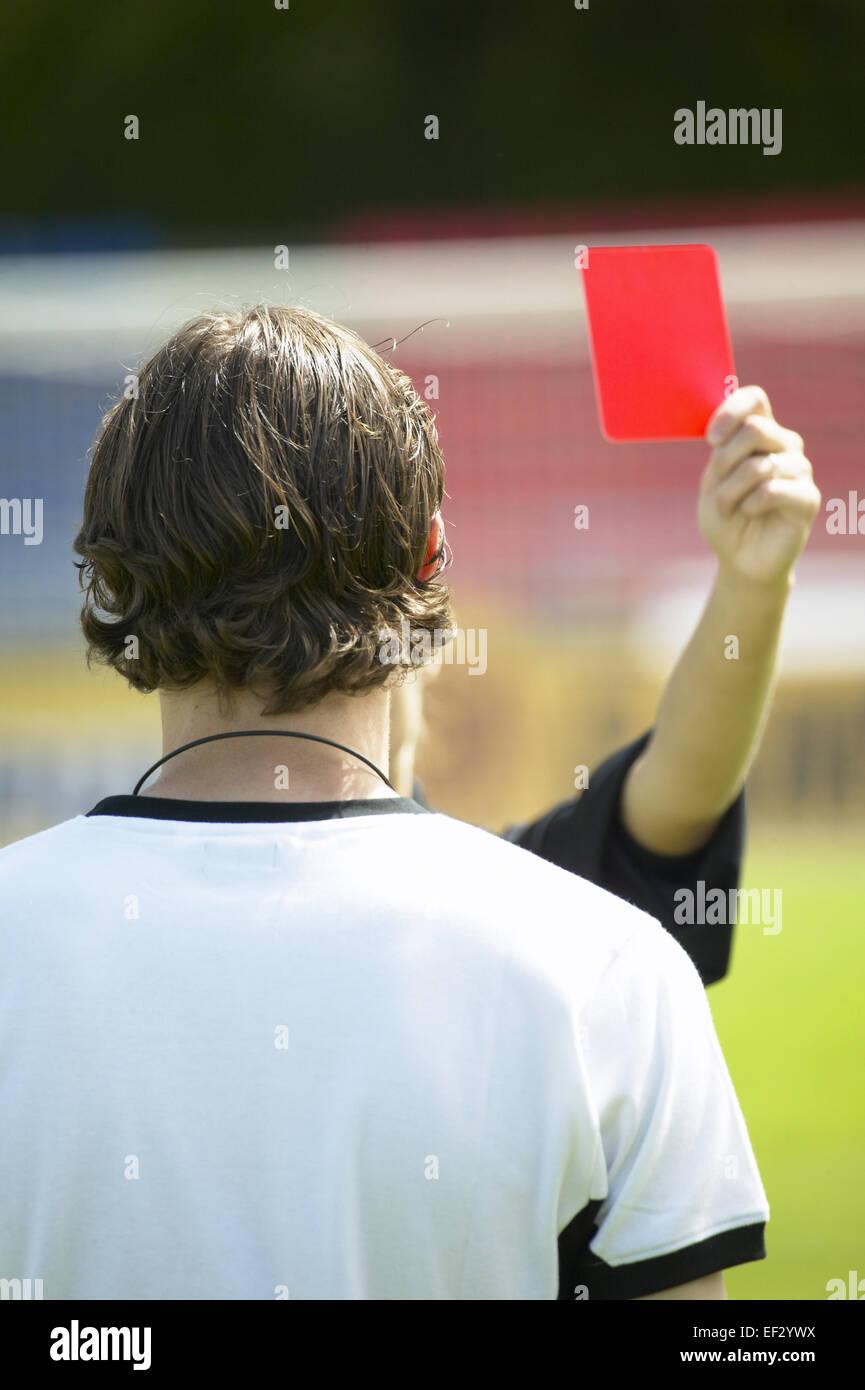 Sportstadion Fussballspieler Schiedsrichter Gestik Rote Karte Aussen Stadion Fu?ball Fussballspiel Spiel Sport Sportler - Stock Image