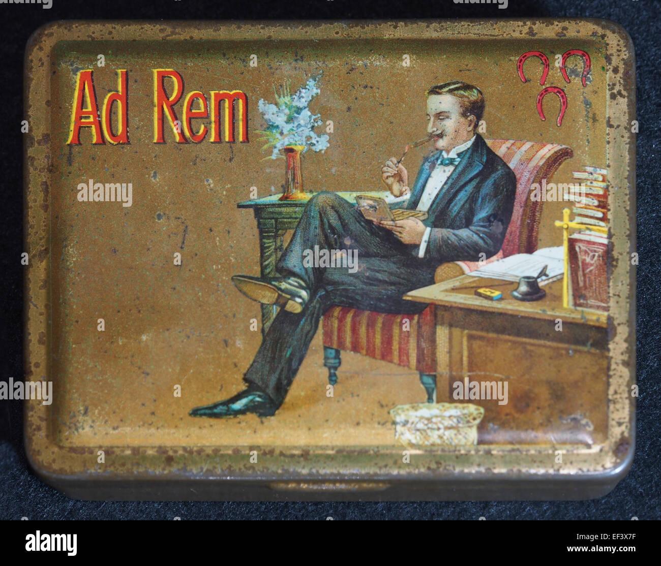 Ad Rem sigarenblikje, foto 1 - Stock Image
