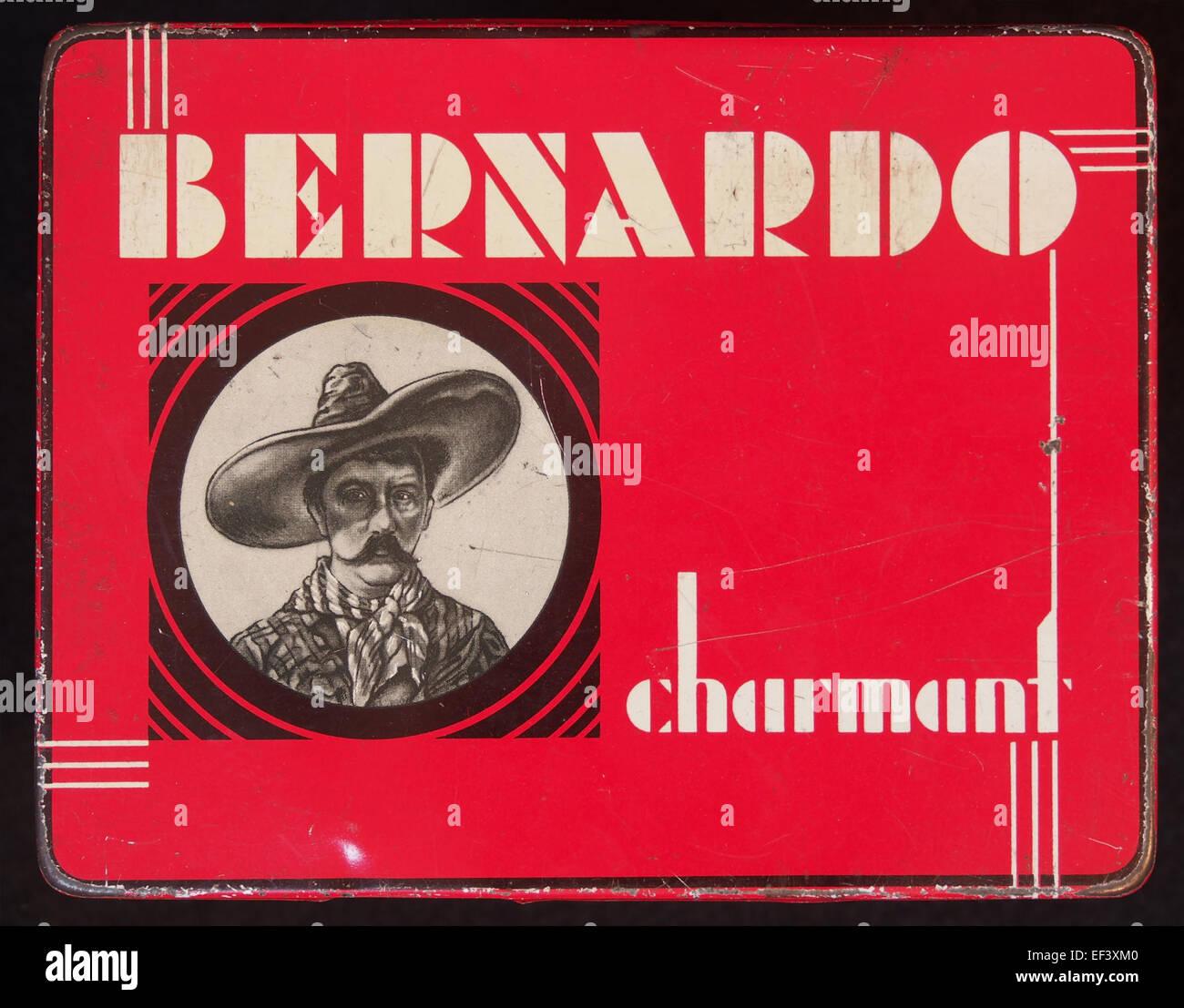 Bernardo Charmant sigarenblikje - Stock Image