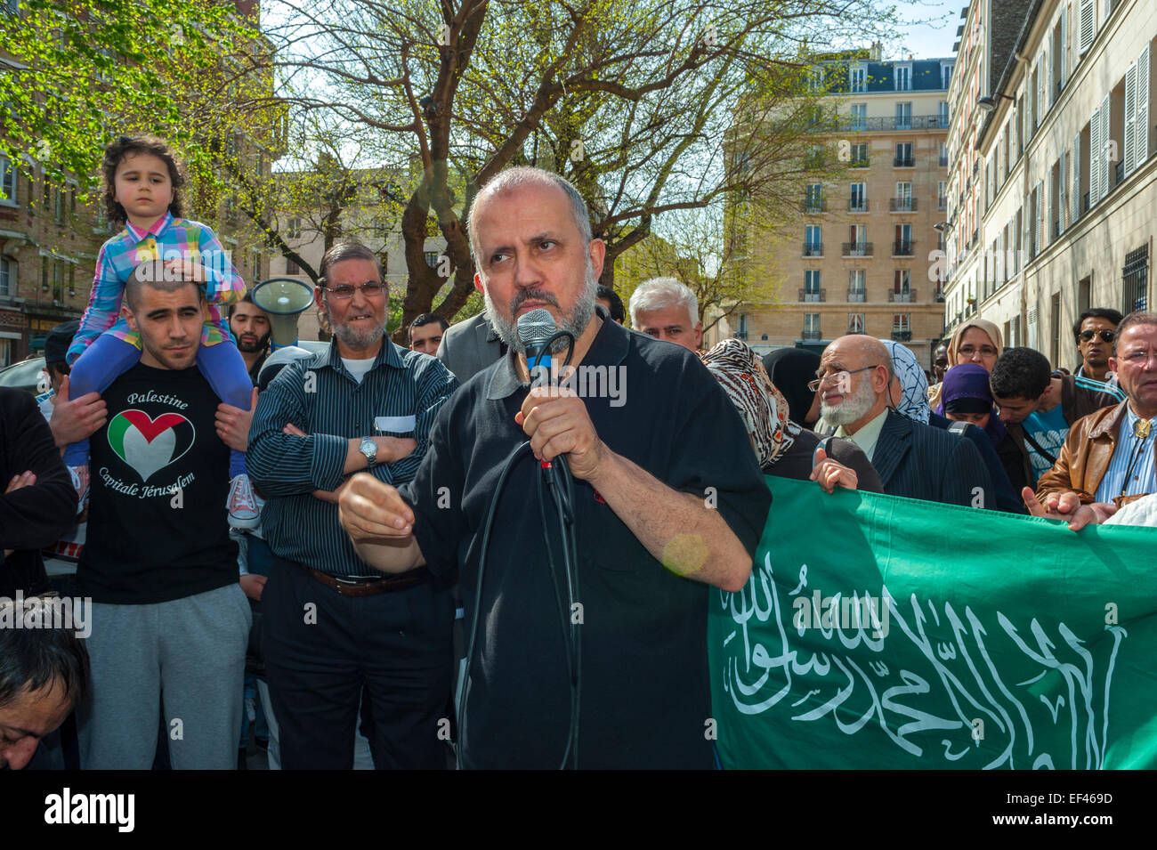 Paris, France, French Arab Muslims Demonstrating against Islamophobia, Racism, Man Making Speech to Crowd on Street - Stock Image