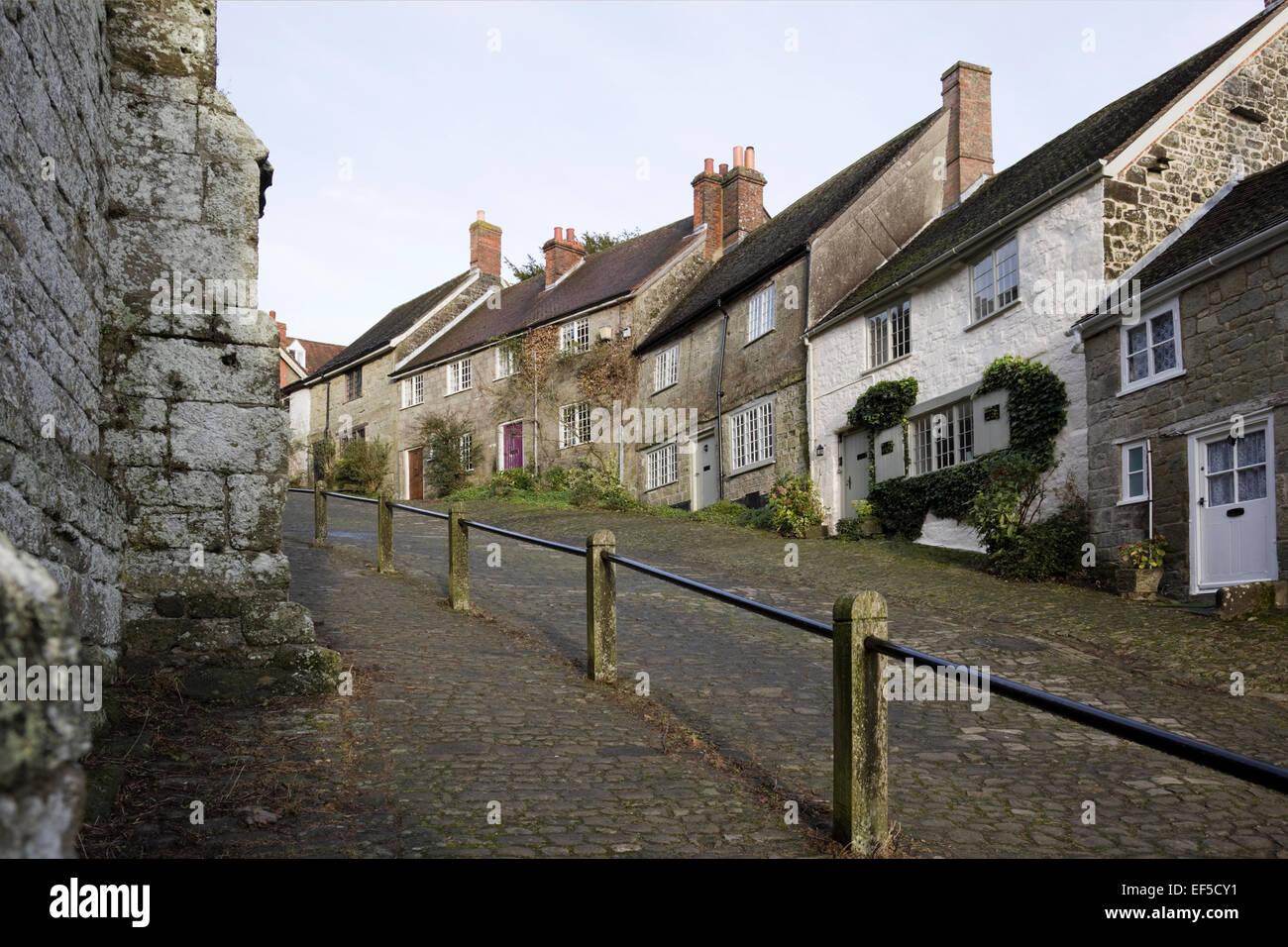 Classic English cobbled street, Shaftesbury, Gold Hill, Dorset - Stock Image