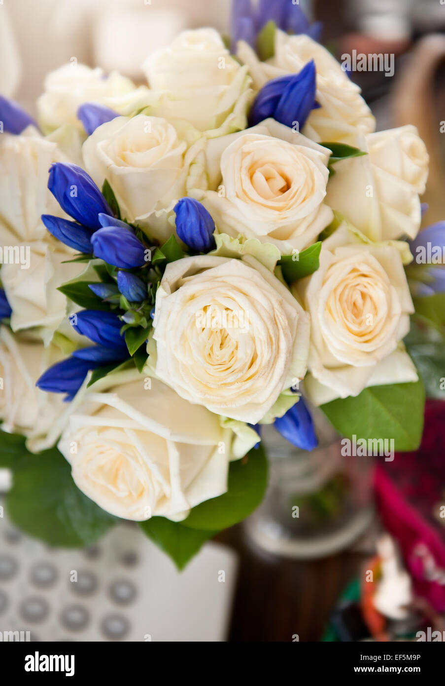 Ecru roses wedding bouquet stock photo 78187026 alamy ecru roses wedding bouquet izmirmasajfo