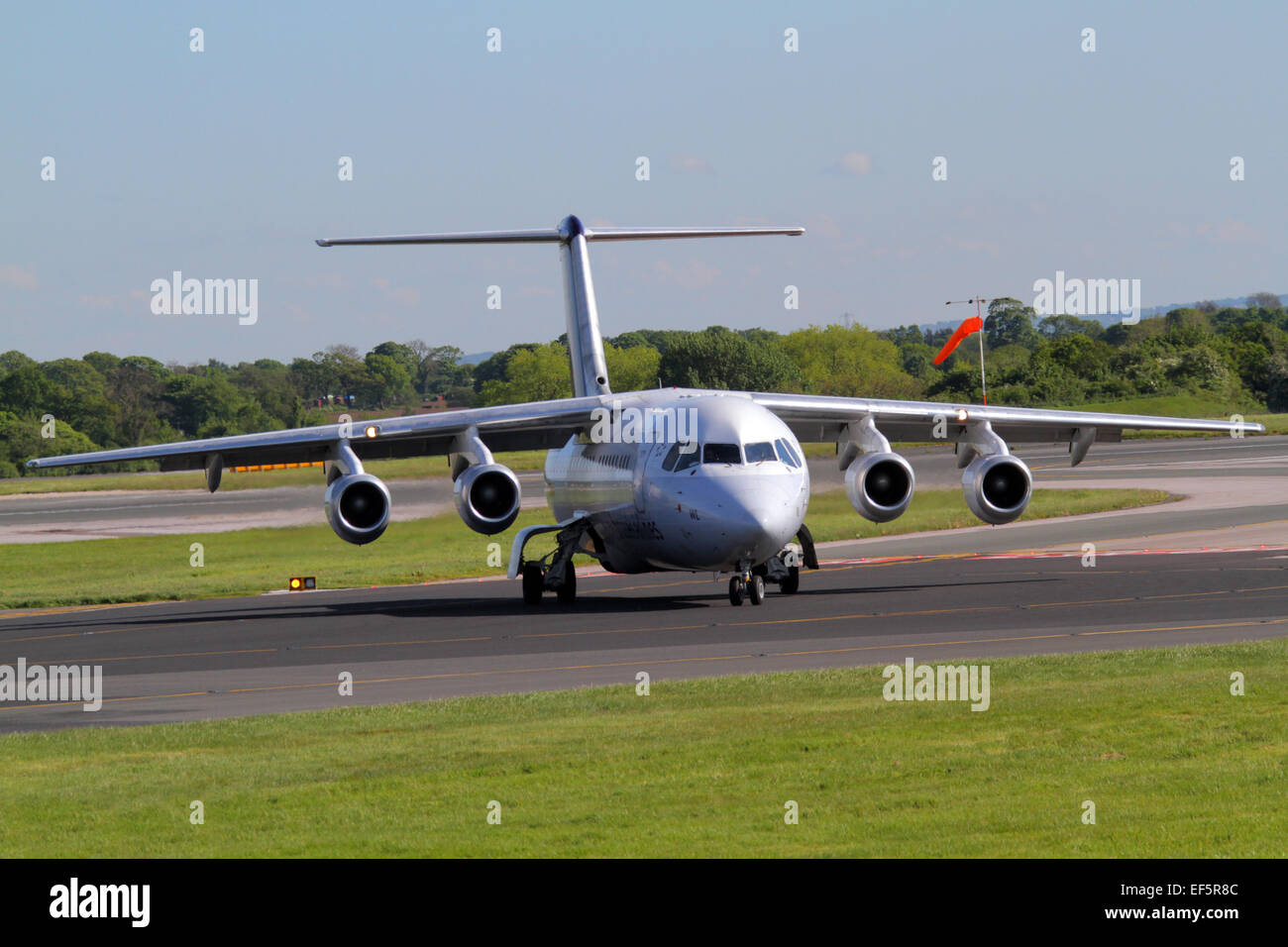 BRUSSELS AIRLINES AVRO RJ100 AIRCRAFT OO-DWL MANCHESTER AIRPORT ENGLAND 14 May 2014 - Stock Image