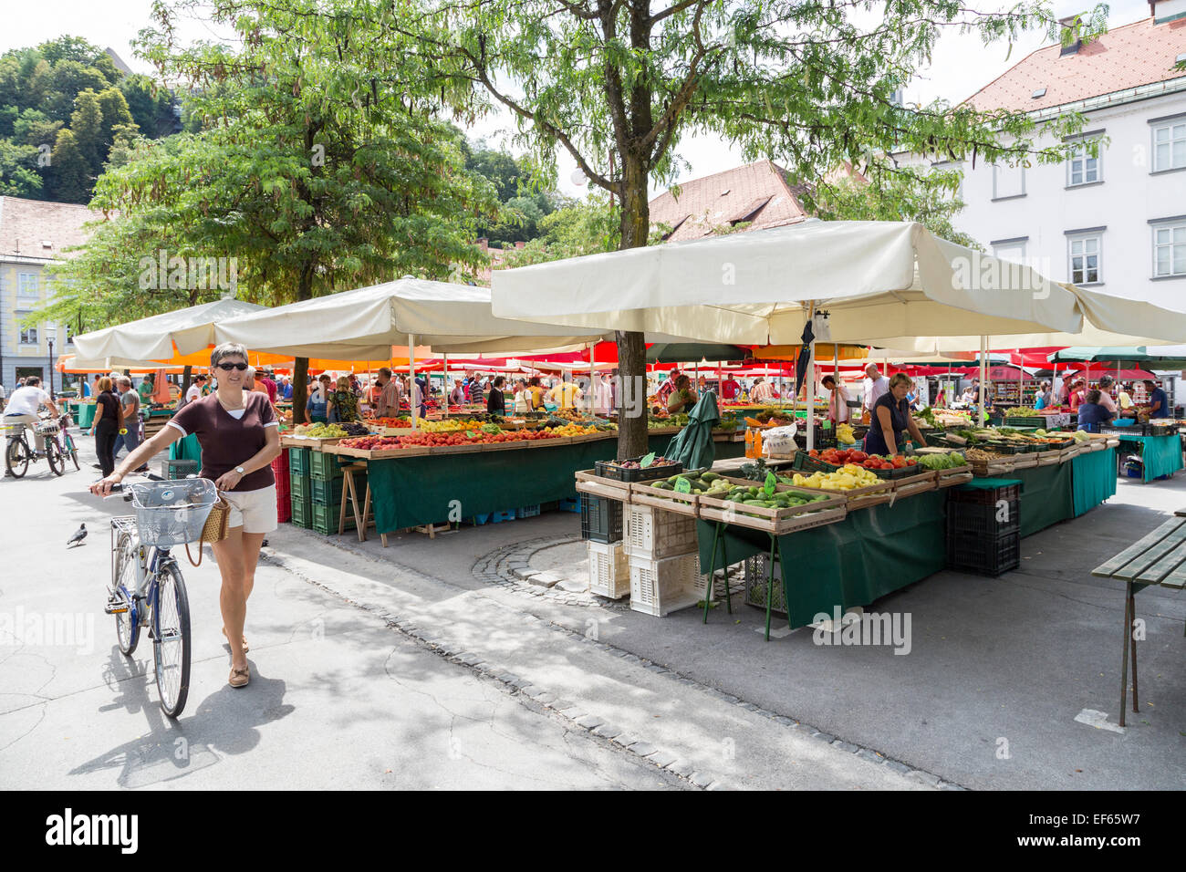 Open air sunday market, Ljubljana, Slovenia - Stock Image