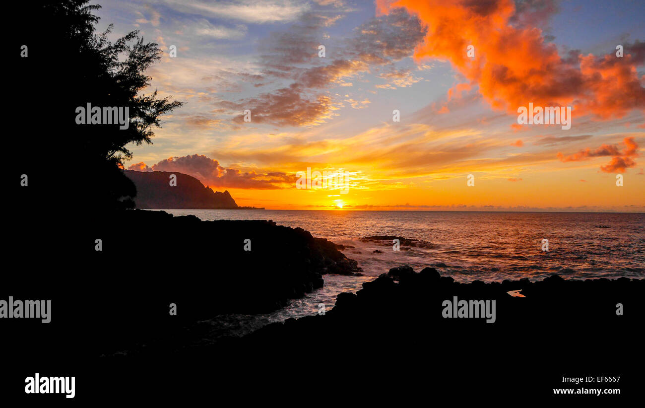 Sunset, Hanalei Bay, Kauai, Hawaii - Stock Image