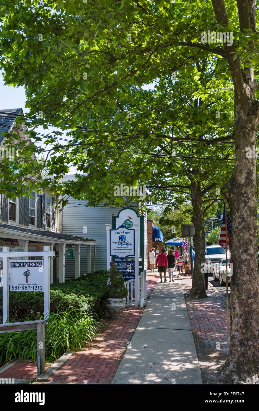 Old houses along Main Street in Cold Spring Harbor, Huntington, Suffolk County, Long Island , NY, USA - Stock Image