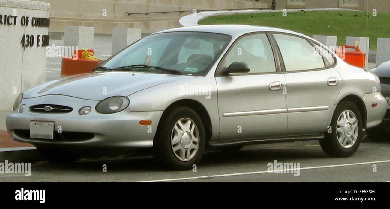 1998 1999 Ford Taurus sedan - Stock Image