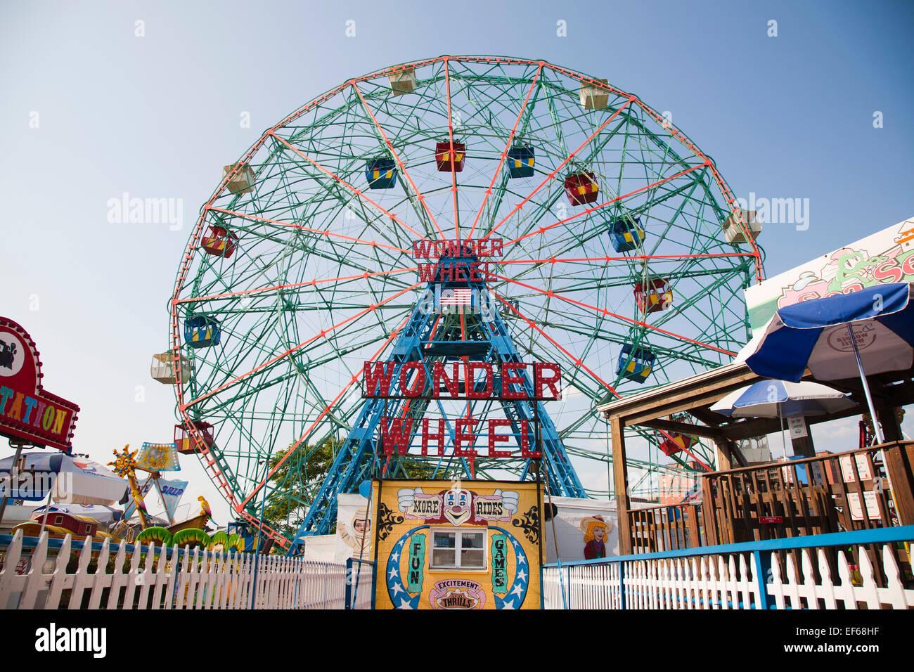 wonder wheel, amusement park, Coney Island, New York, USA, America - Stock Image