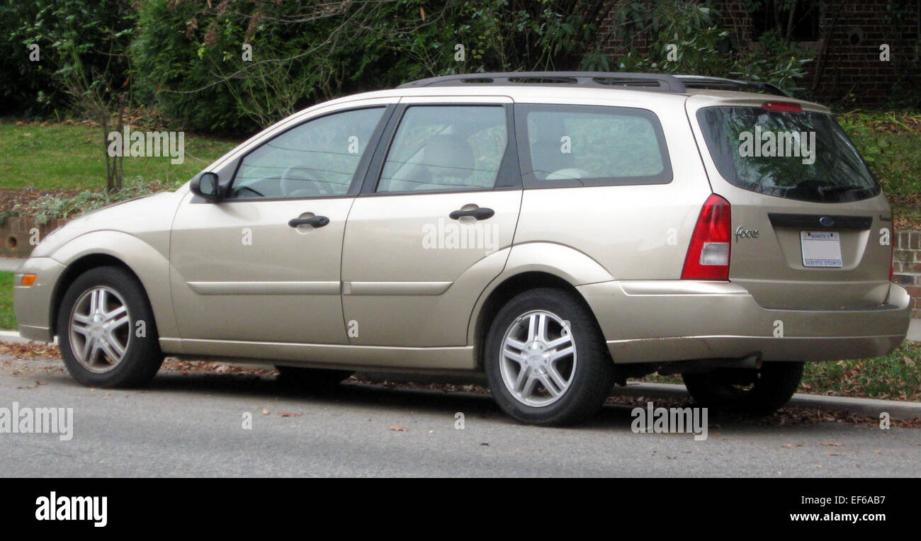 2000 2004 ford focus se wagon 11 26 2011