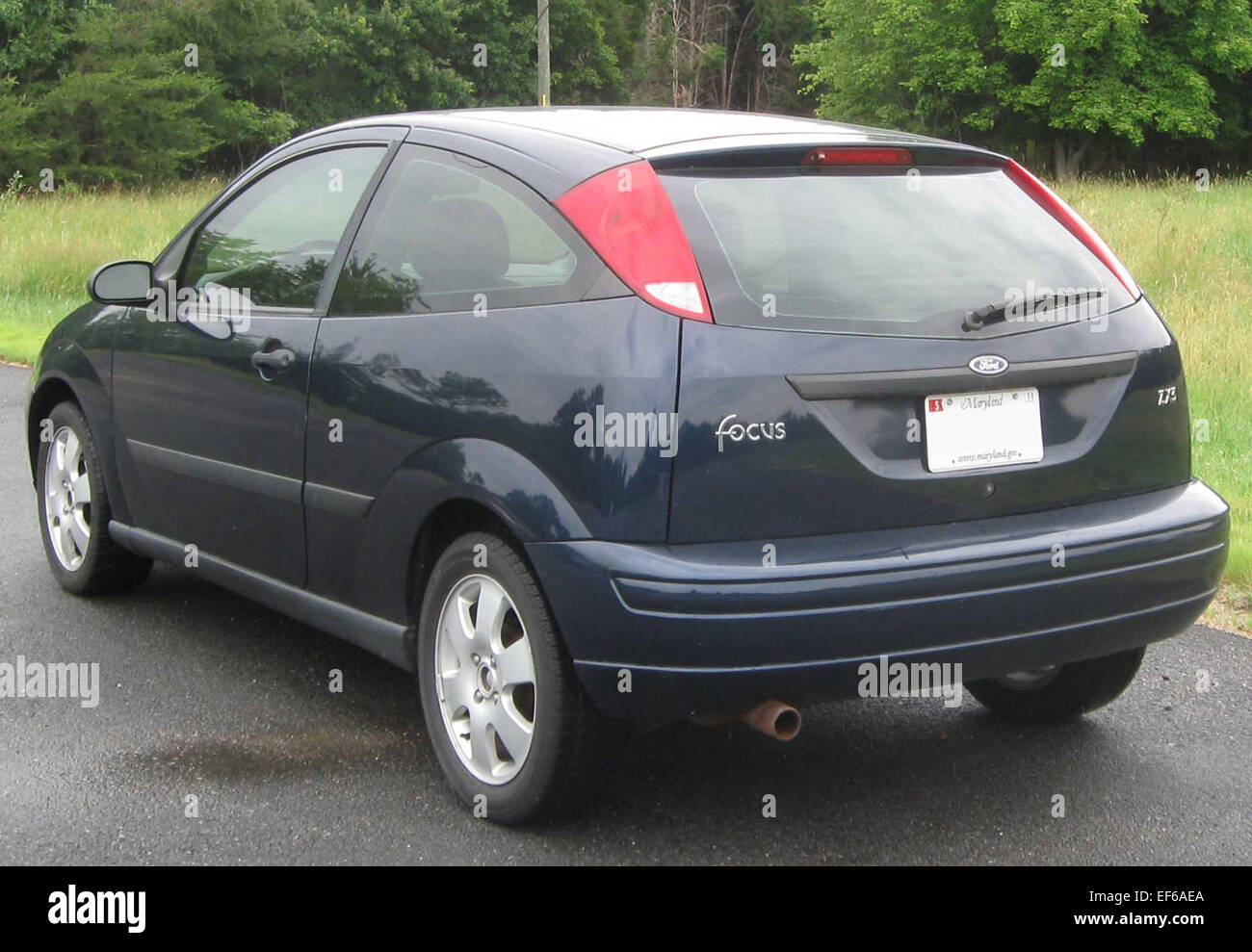 2001 Ford Focus ZX3 rear 06 09 2010