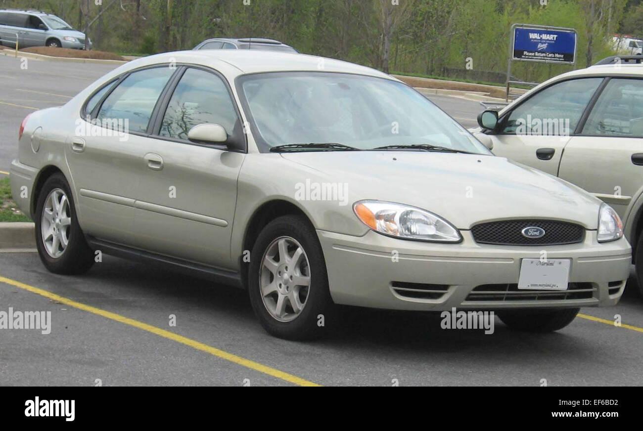 2004 2006 ford taurus sedan