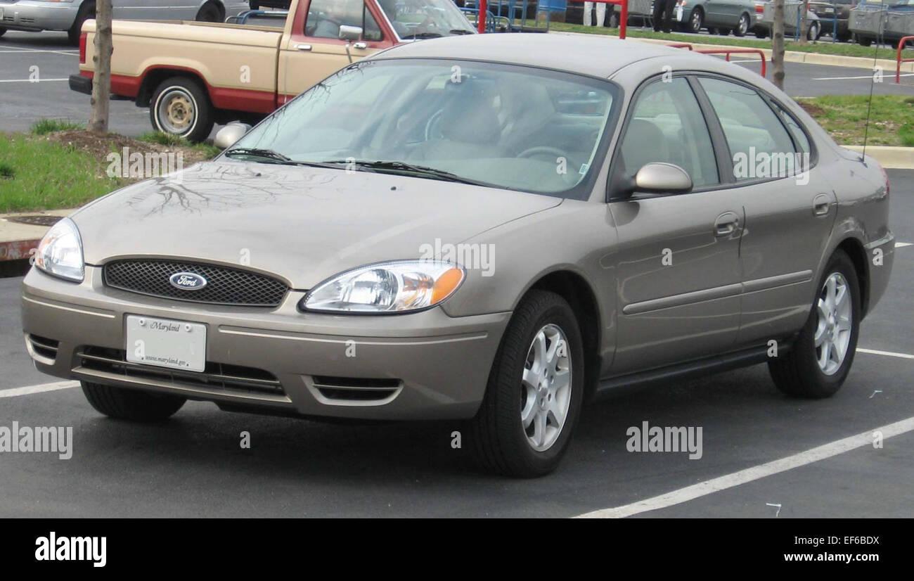 2004 2007 ford taurus sedan