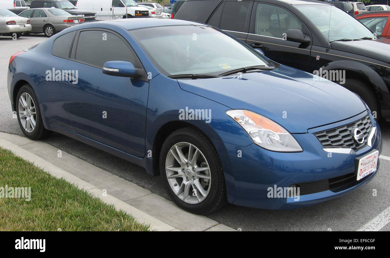 2008 Nissan Altima Coupe Front