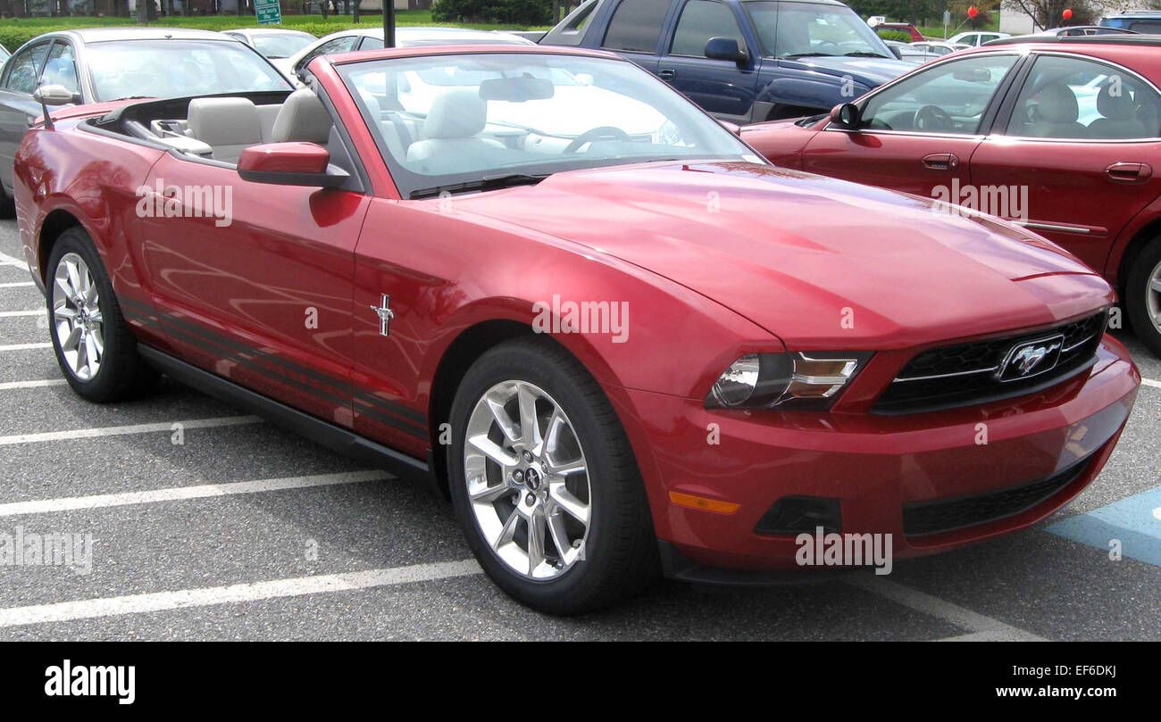 2010 ford mustang convertible 2 stock photo 78203766 alamy