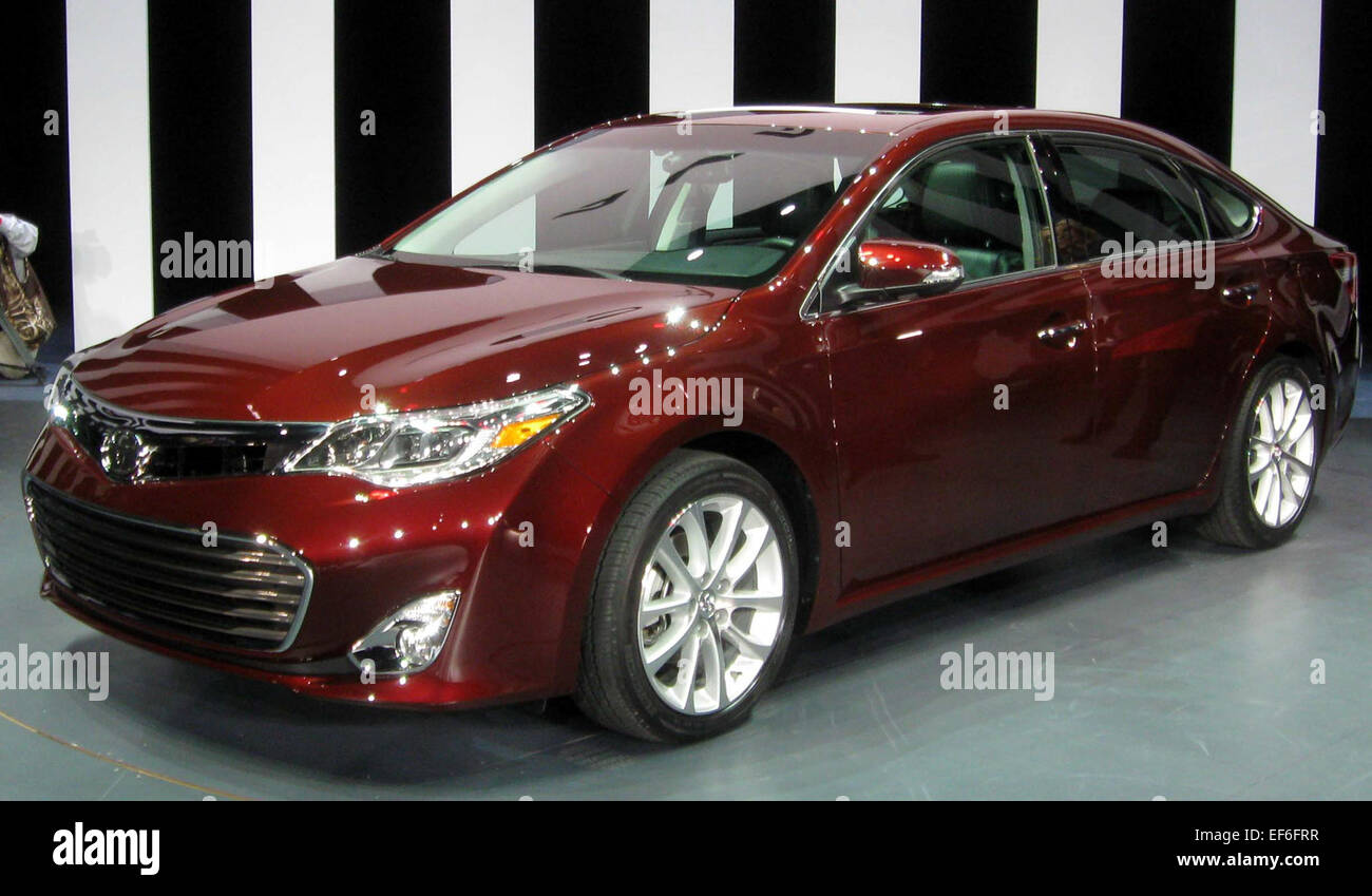 View Toyota Avalon 2000 Custom