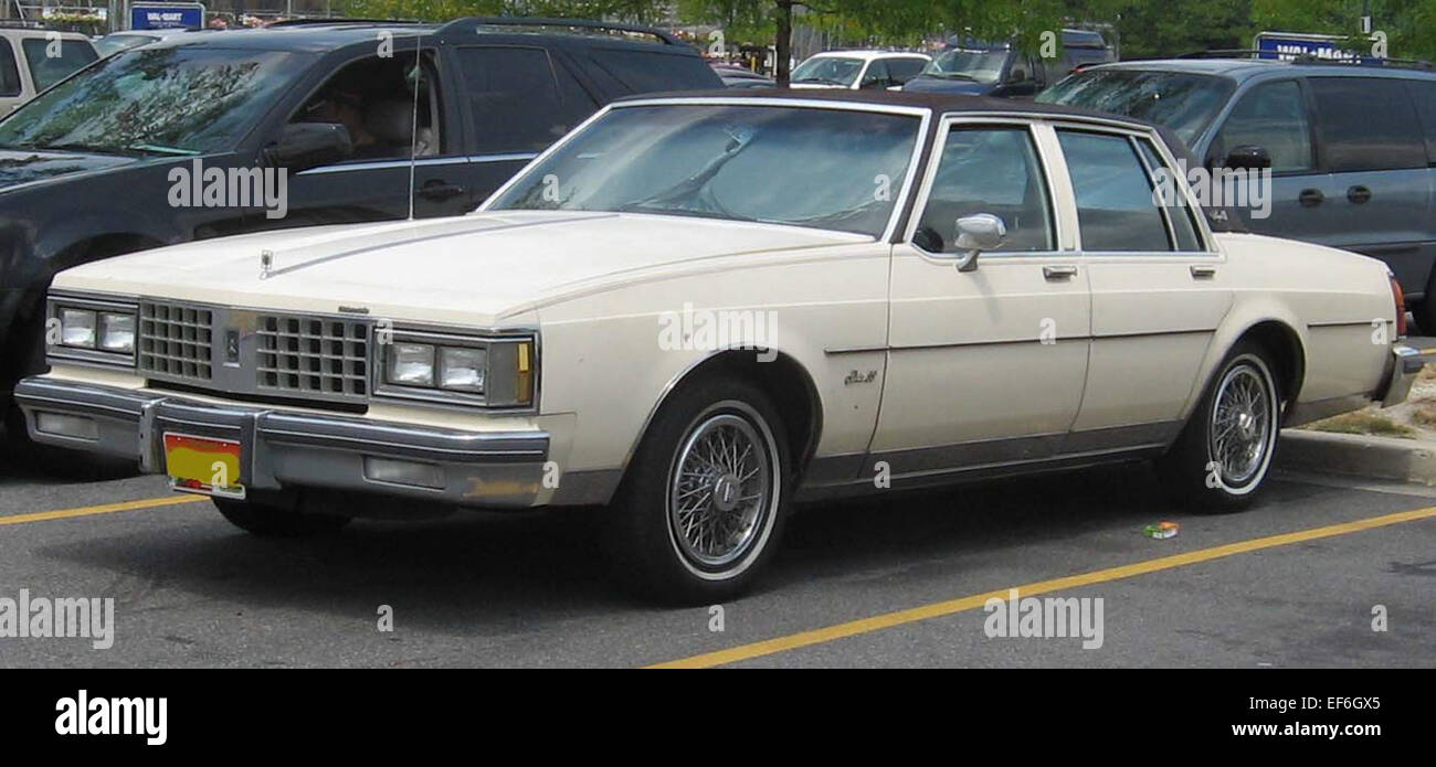Oldsmobile Delta 88 Stock Photos & Oldsmobile Delta 88 Stock Images ...