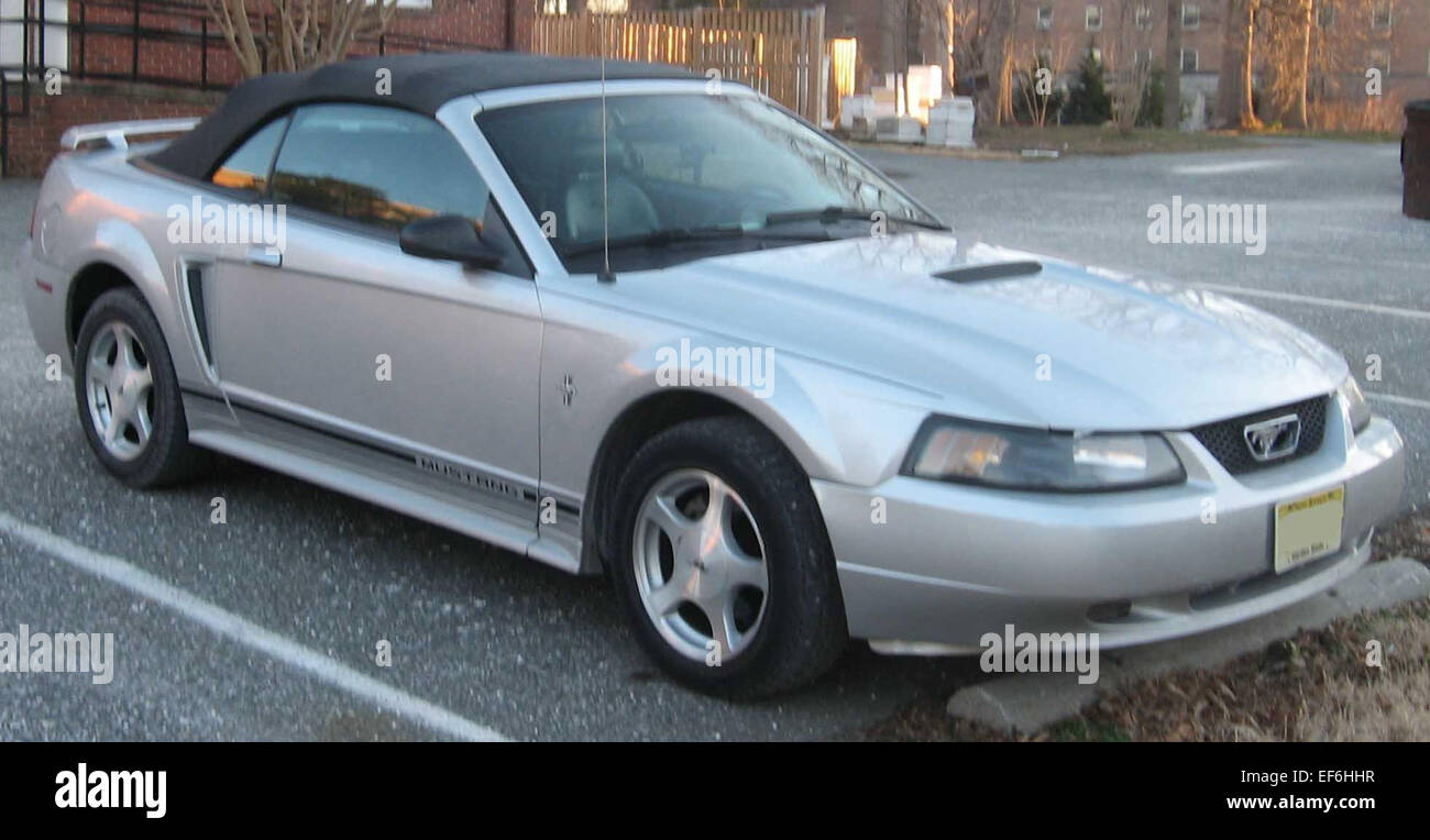 99 04 ford mustang convertible stock photo 78206851 alamy