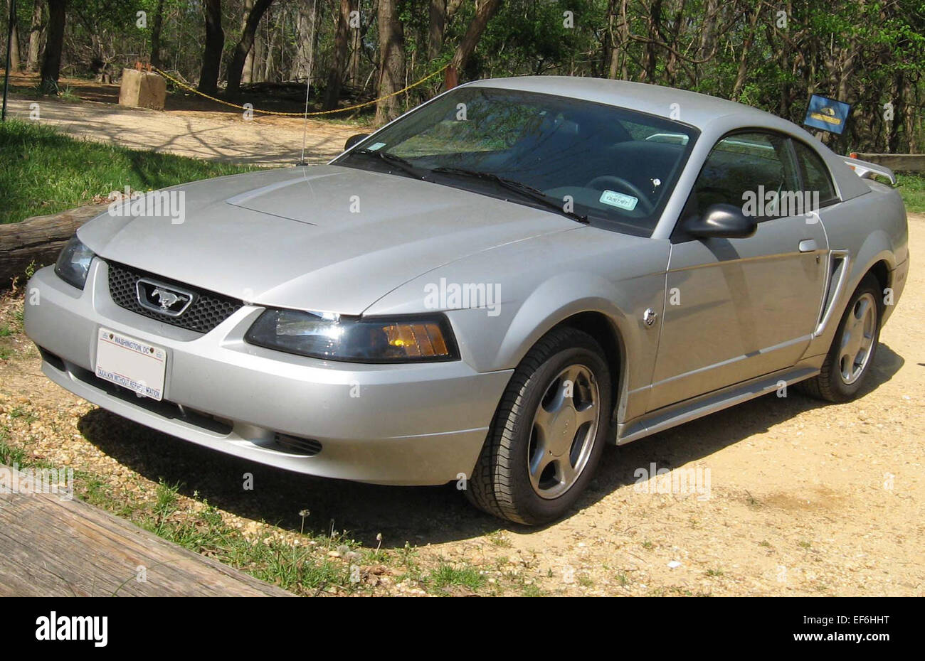 99 04 ford mustang coupe