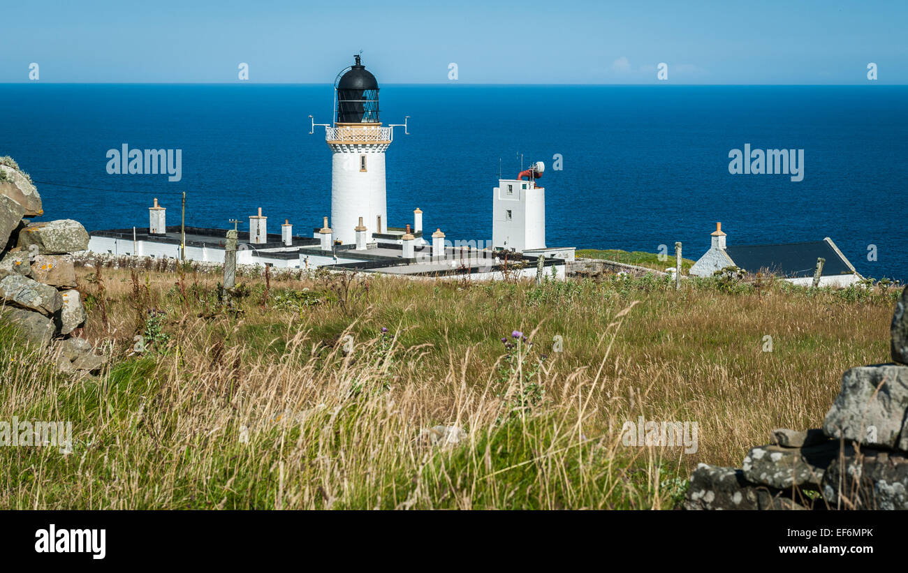 Dunnet Head Lighthouse, the most northerly point of the UK mainland at dusk - Stock Image
