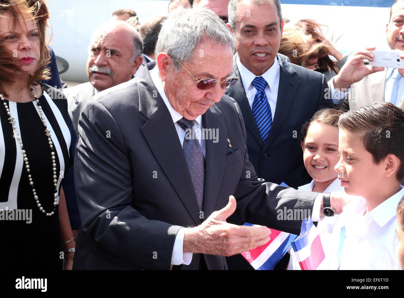 Alajuela costa rica 27th jan 2015 image provided by costa ricas alajuela costa rica 27th jan 2015 image provided by costa ricas presidency of costa rican shows cuban president raul castro c greeting costa rican m4hsunfo