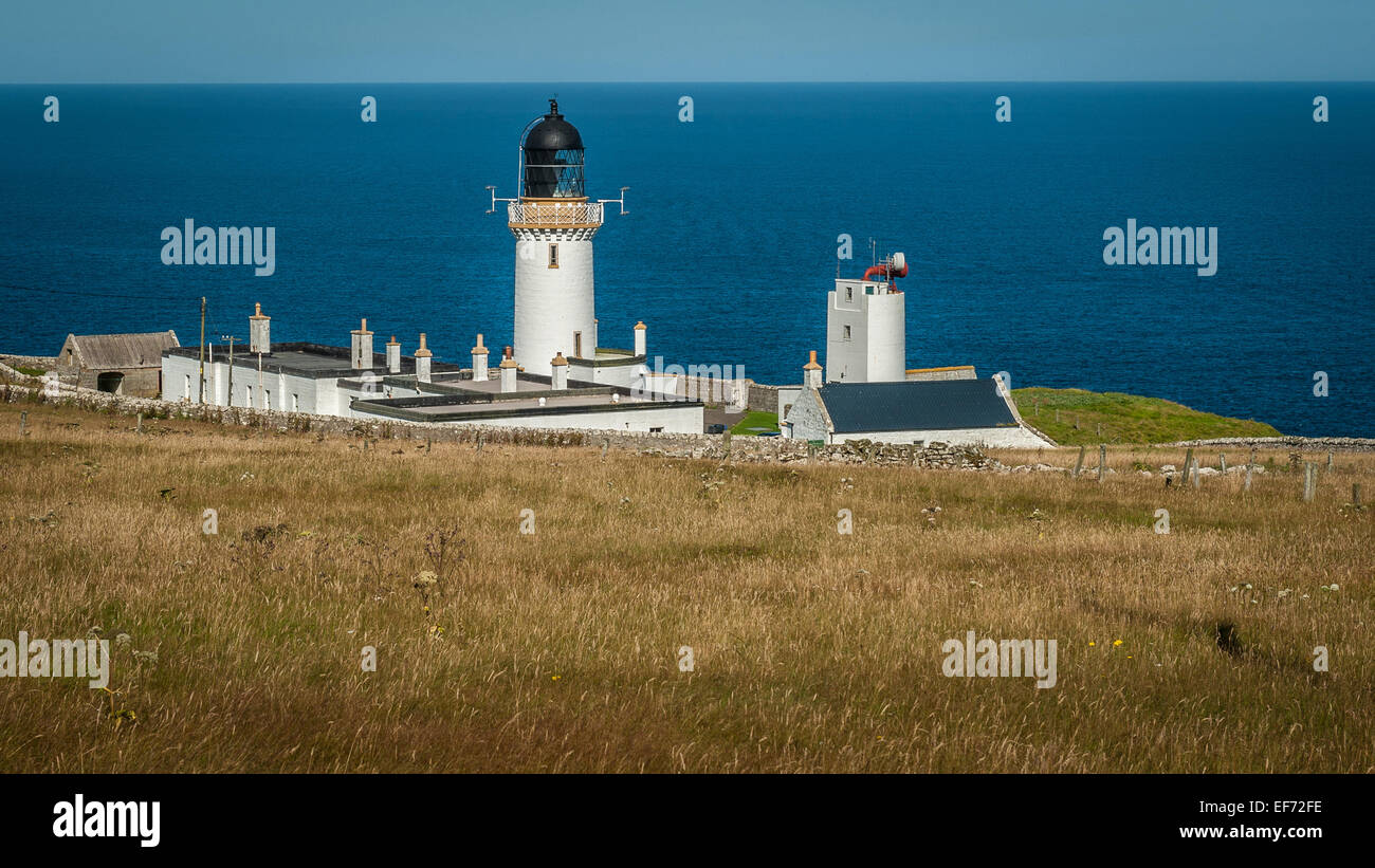Dunnet Head Lighthouse, the most northerly point of the UK mainland - Stock Image