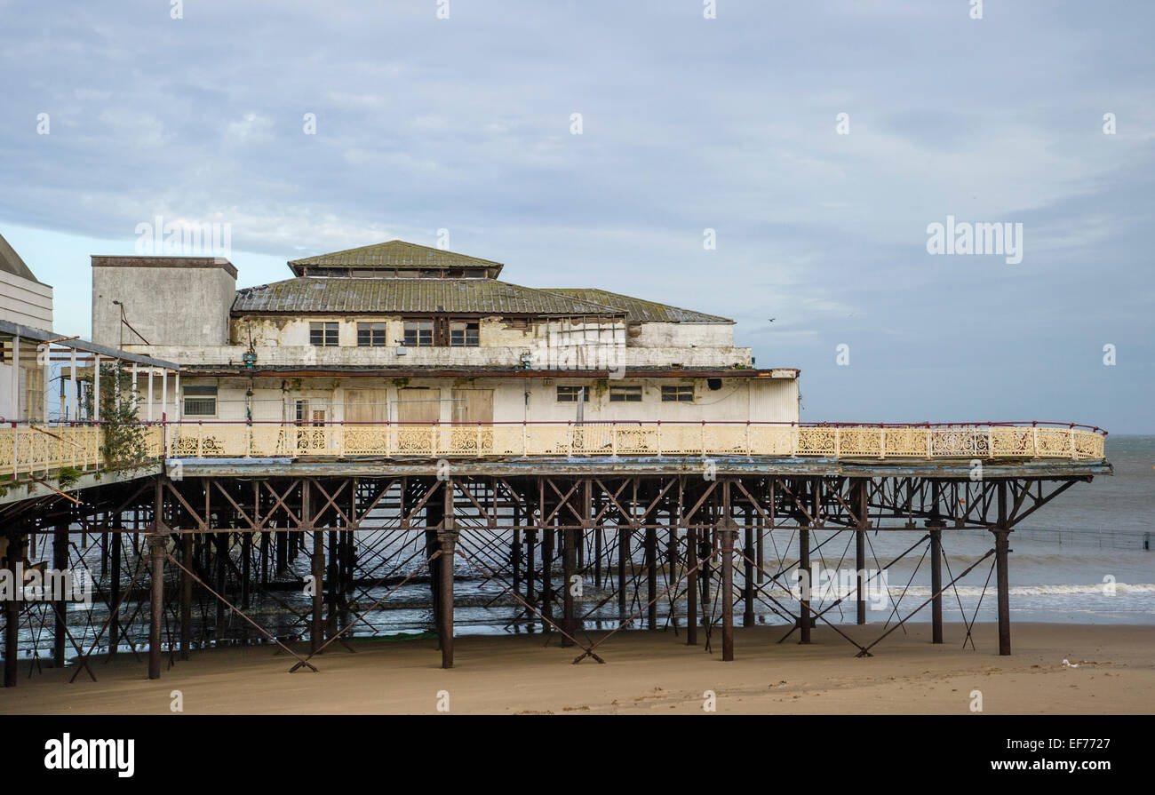Victoria pier now closed and in dissrepair Colwyn Bay Gwynedd North Wales - Stock Image