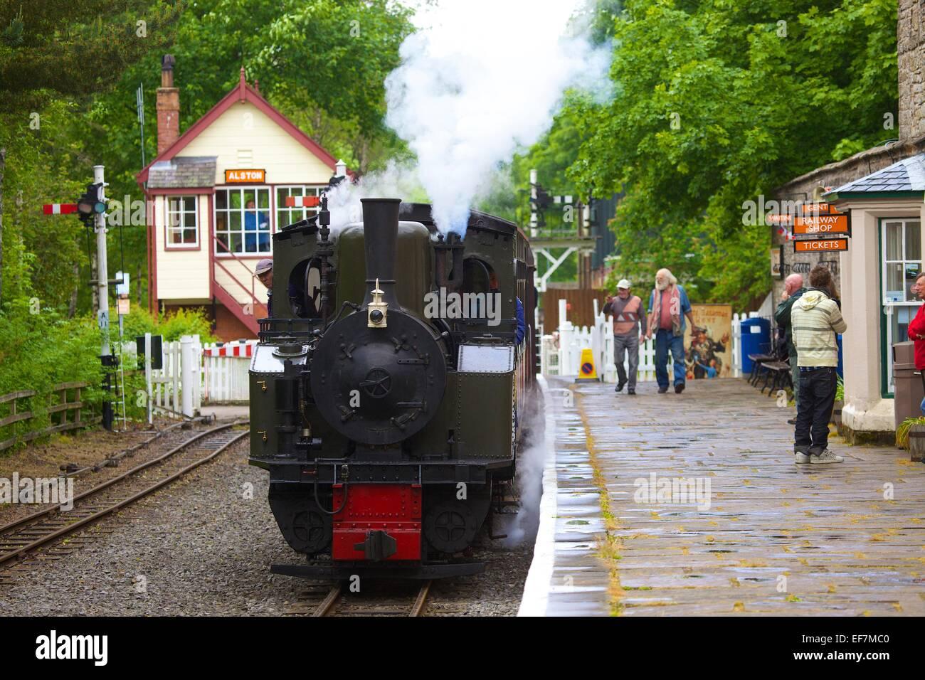 "Steam locomotive ""Thomas Edmondson"" arriving at Alston Station on the South Tynedale Railway, Alston, Cumbria, England, - Stock Image"