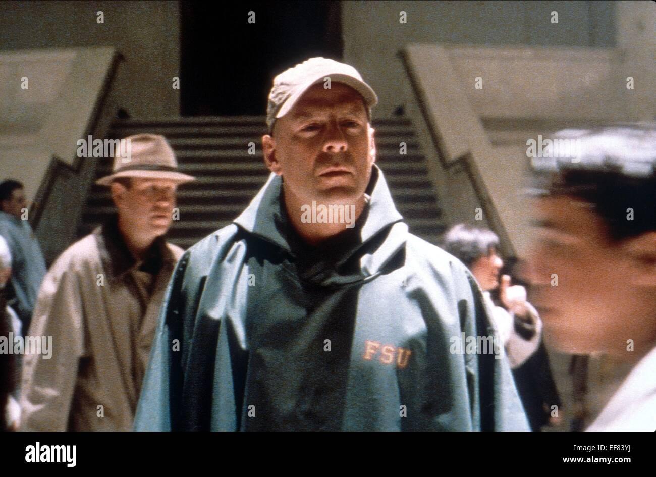 Bruce Willis Unbreakable 2000 Stock Photo Alamy