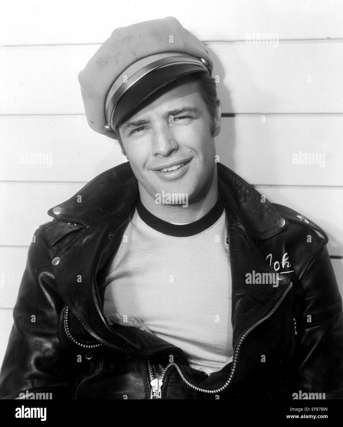 MARLON BRANDO THE WILD ONE (1953 Stock Photo  78242749 - Alamy ba4af929b17
