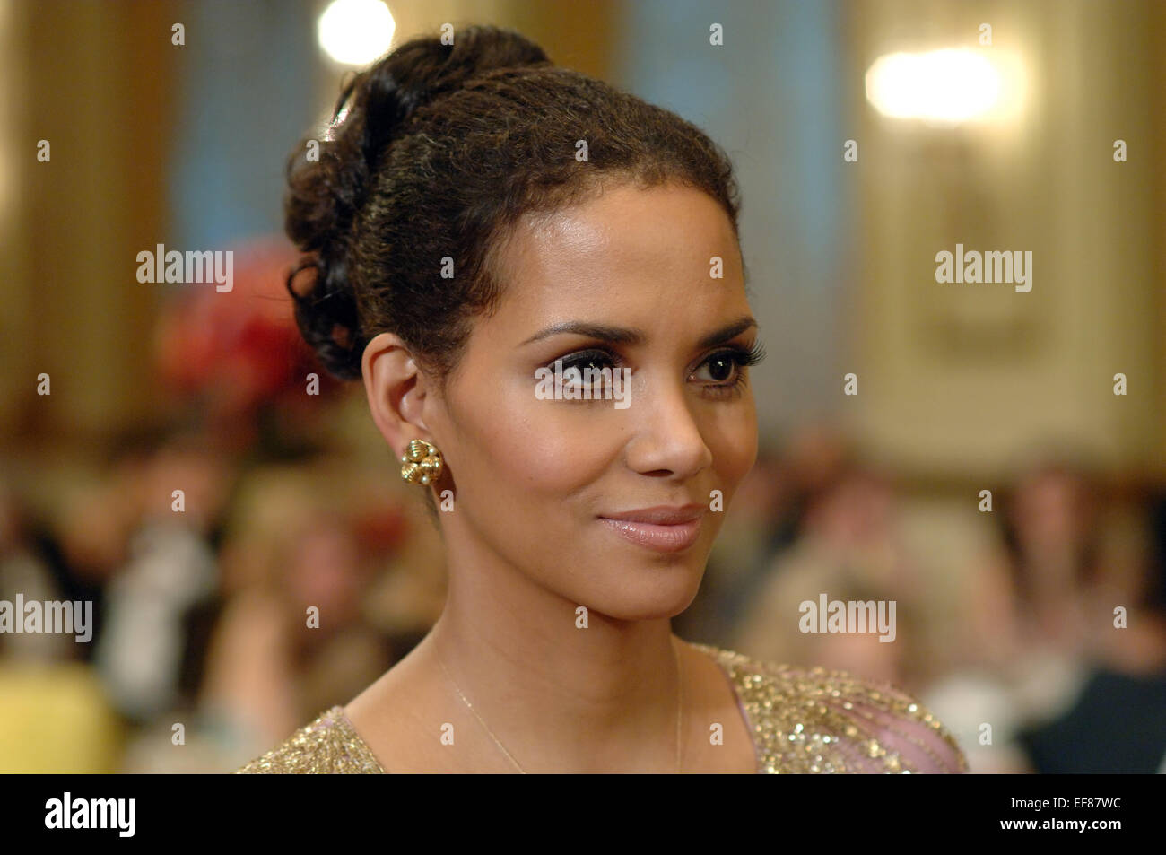 Halle Berry Frankie Alice Frankie And Alice 2010 Stock Photo