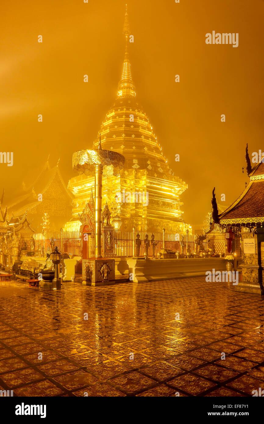 Golden stupa, Wat Phrathat, Doi Suthep Peak, Chiang Mai, Thailand - Stock Image