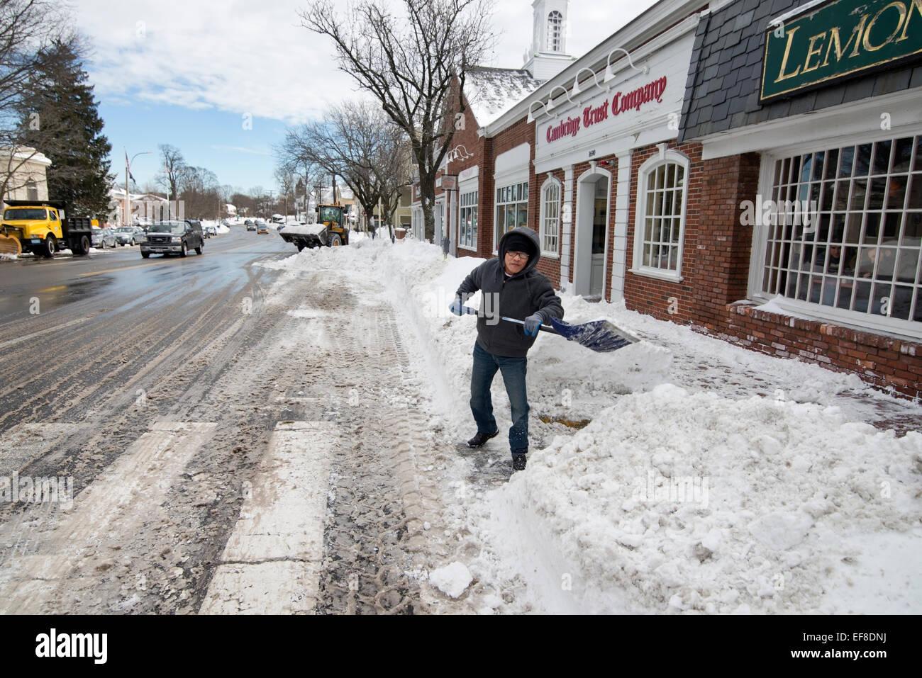 Lexington Ma Usa 28 Jan 2015 Man Shoveling Snow Outside