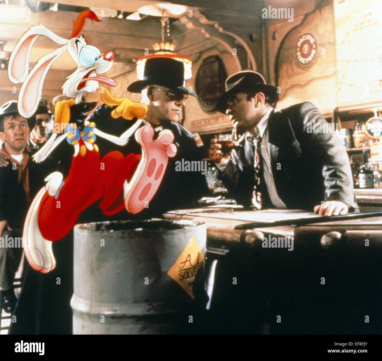 ROGER RABBIT CHRISTOPHER LLOYD & BOB HOSKINS WHO FRAMED ROGER RABBIT ...