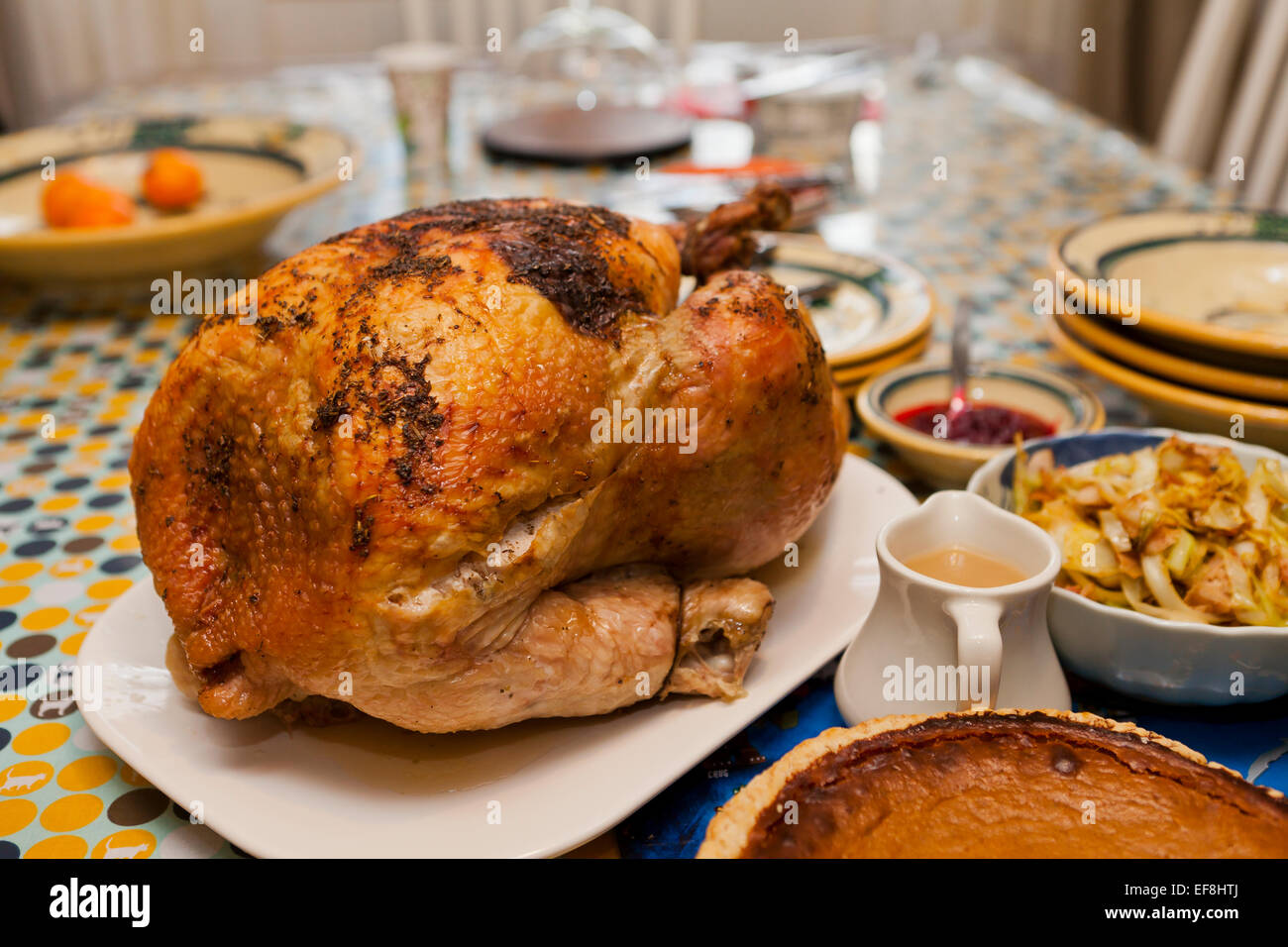 Gentil Thanksgiving Turkey Dinner On Table   USA