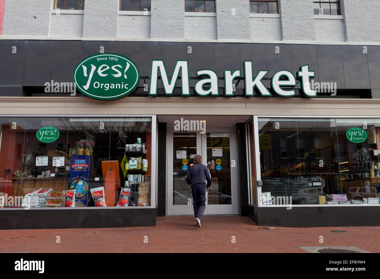 Yes! Organic Market - Washington, DC USA - Stock Image