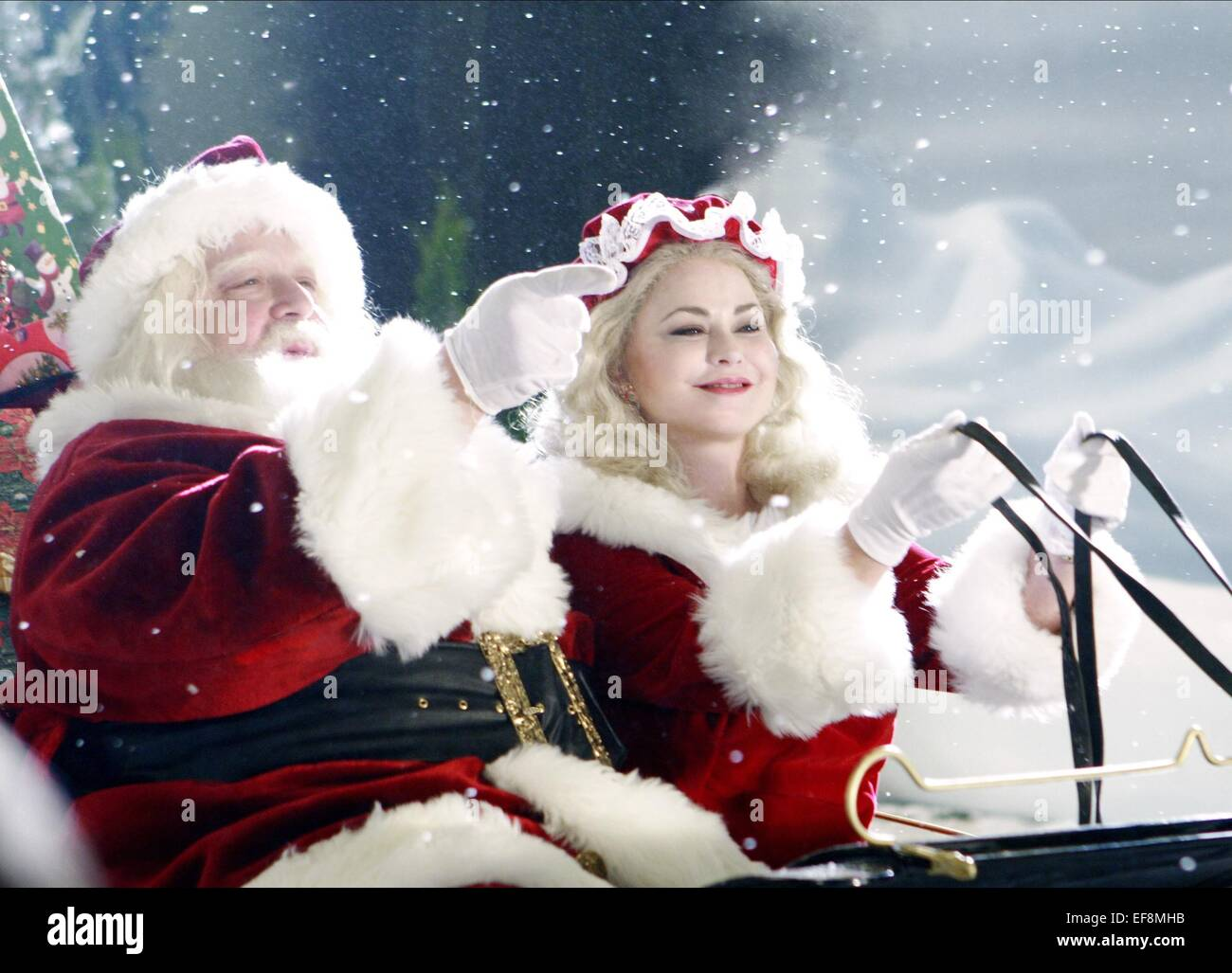 John Goodman Santa Stock Photos & John Goodman Santa Stock Images ...
